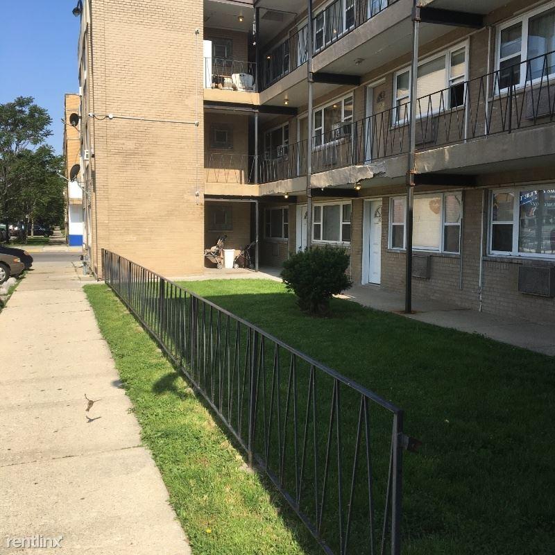5550 W 22nd Place 205, Cicero, IL - 950 USD/ month