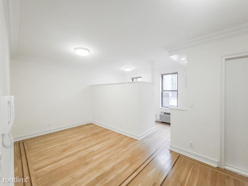 214 E 51 St 4R, New York, NY - 1,875 USD/ month
