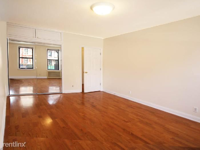 1590 York St 1A, New York, NY - 2,862 USD/ month
