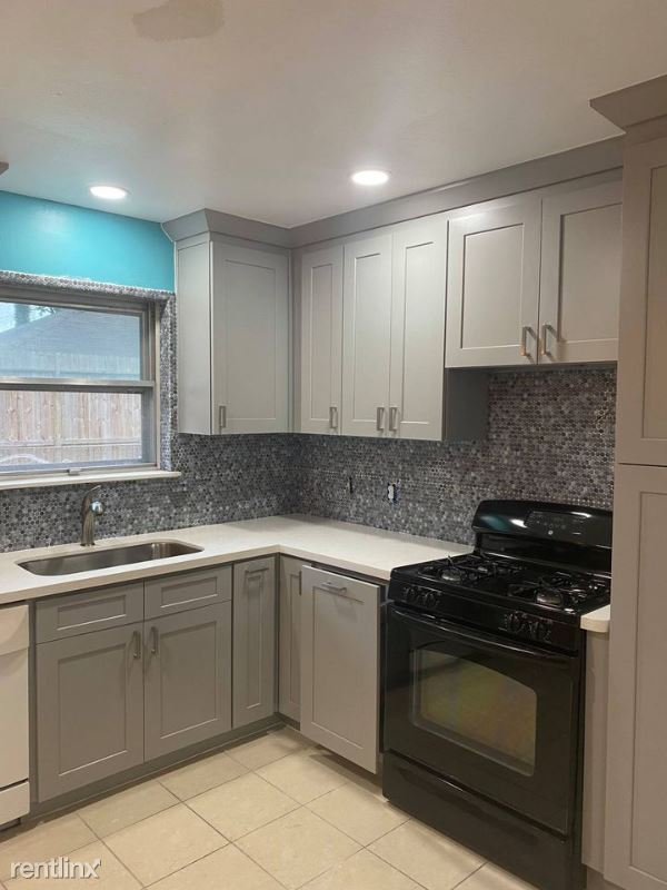 Western Dr, Houston, TX - 550 USD/ month