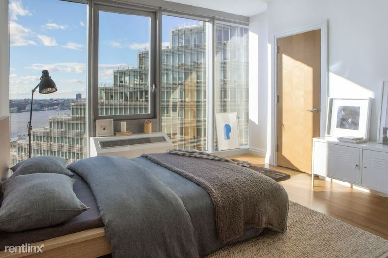 550 West 54th Street, New York, NY - 3,495 USD/ month