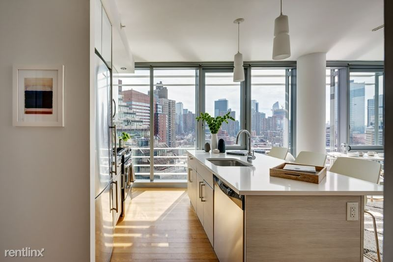 550 West 54th Street, New York, NY - 5,595 USD/ month