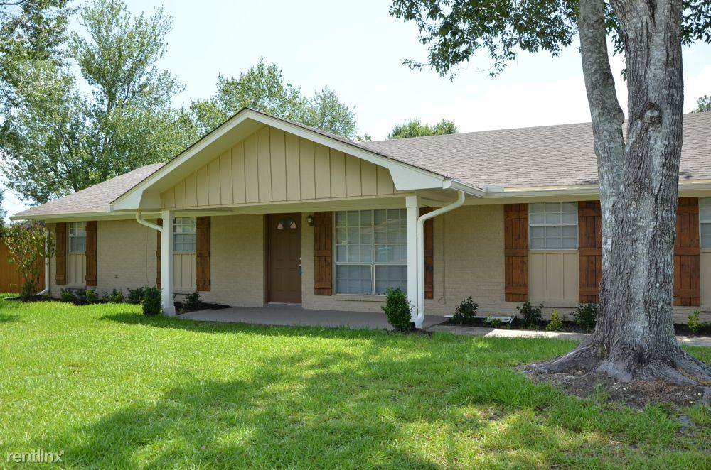 44 Easy St, Gulfport, MS - 1,300 USD/ month