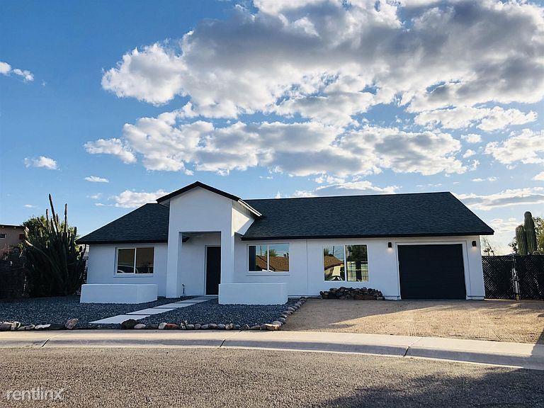 6014 S 45th Pl, Phoenix, AZ - 1,300 USD/ month