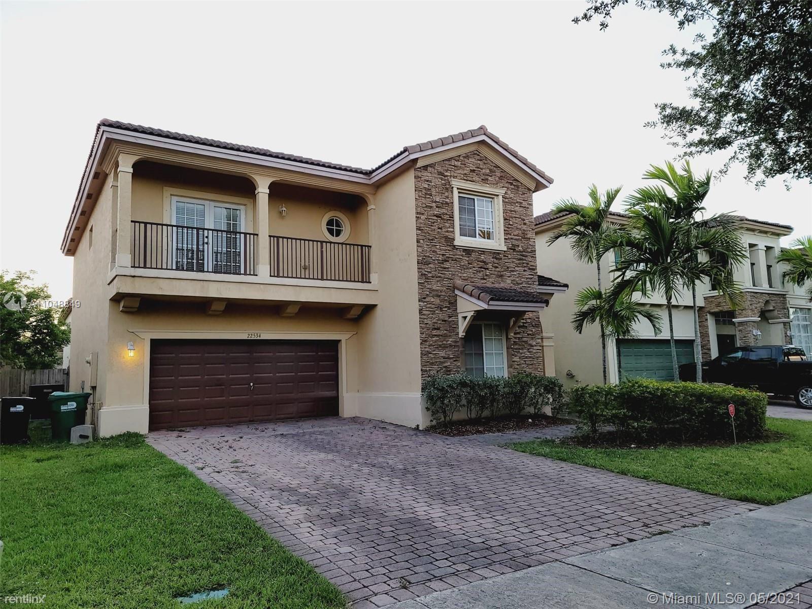 SW 94th Ct, Cutler Bay, FL - 3,400 USD/ month