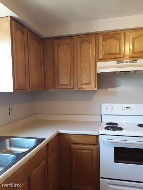 14 Park St, Phoenix, NY - 695 USD/ month