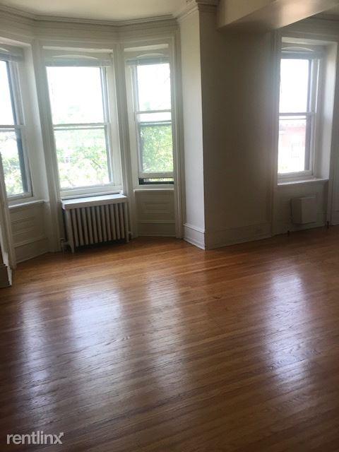 2106 Pine St, Philadelphia, PA - 2,300 USD/ month