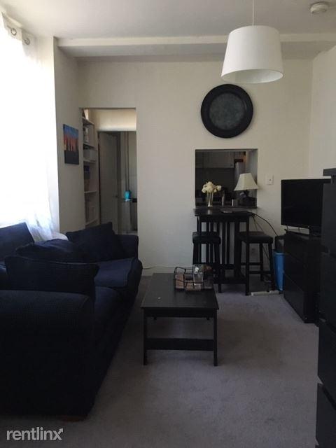 1327 Spruce St, Philadelphia, PA - 1,095 USD/ month
