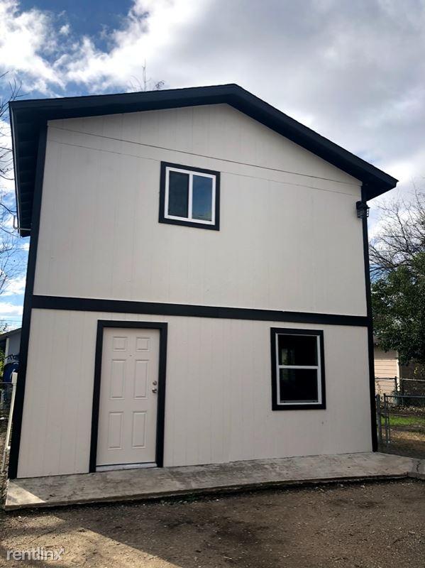 438 Pruitt Ave 3, San Antonio, TX - 840 USD/ month