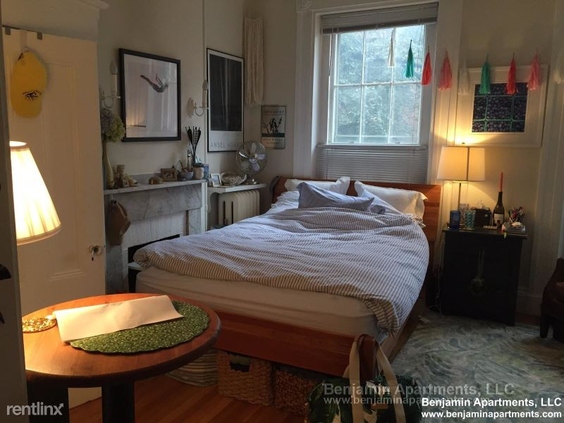 47 W Cedar St 03, Boston, MA - 1,995 USD/ month