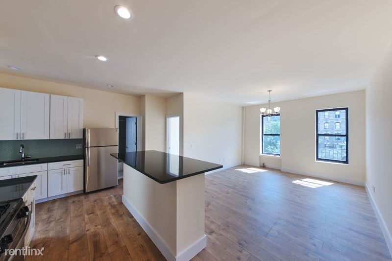 561 Lenox Ave 27B, New York, NY - 2,017 USD/ month