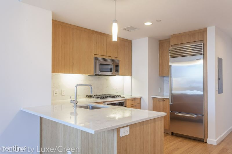 300 North End Avenue, New York, NY - 4,950 USD/ month