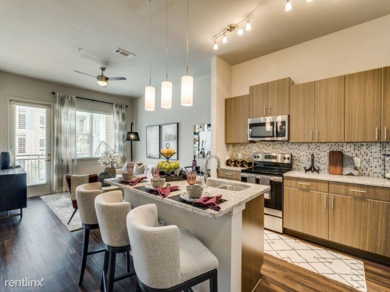 800 Brazos St, Austin, TX - 1,500 USD/ month