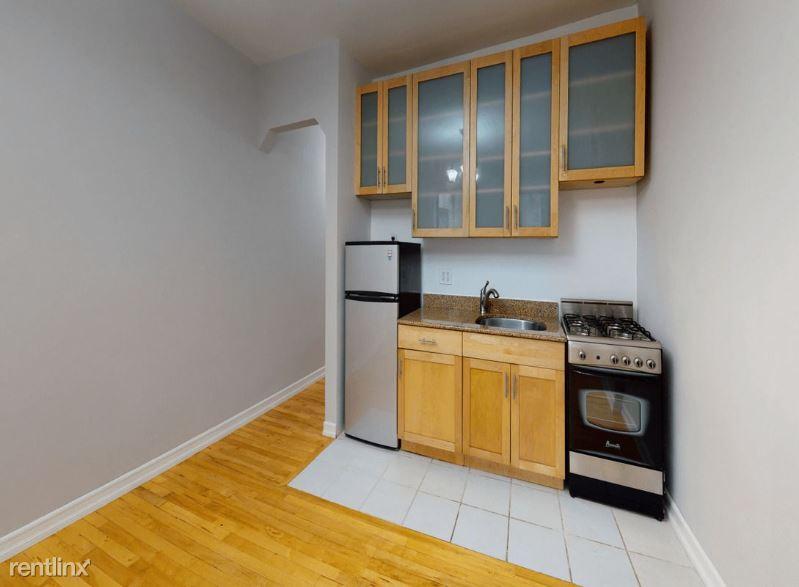 209 W 21st St 1B, New York, NY - 2,338 USD/ month