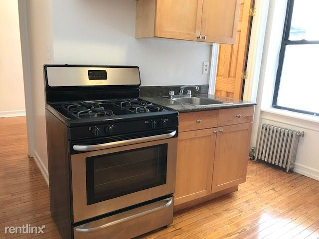 236 E 13th St 2, New York, NY - 2,338 USD/ month