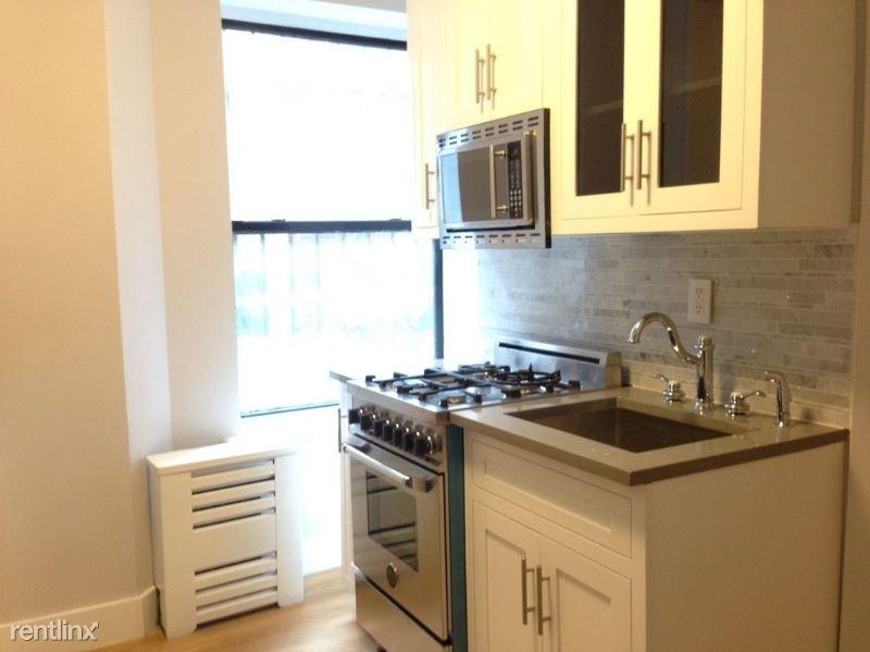 244 E 13th St 1, New York, NY - 1,938 USD/ month