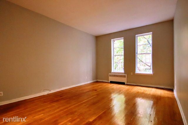 206 E 70th St 2D, New York, NY - 1,350 USD/ month