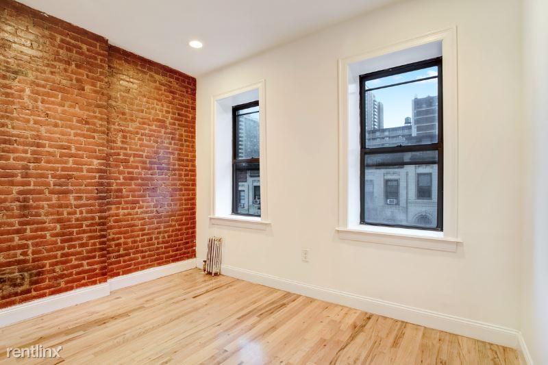 219 E 89th St 5E, New York, NY - 3,092 USD/ month