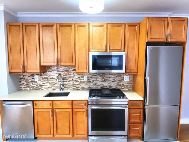 169 W 81st St 5D, New York, NY - 3,002 USD/ month