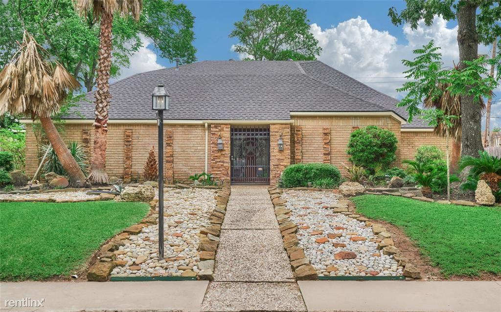 214 Briar Hill Dr, Houston, TX - 3,500 USD/ month