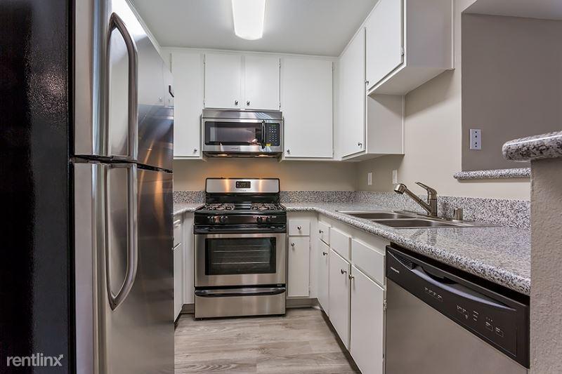 12420 Woodgreen Street 204, Los Angeles, CA - 3,025 USD/ month