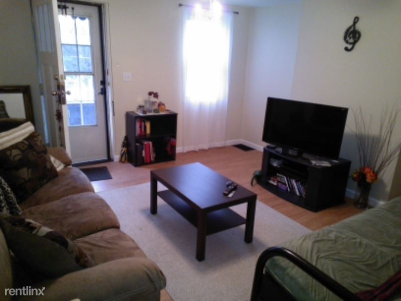 street, Pittsburgh, PA - 970 USD/ month