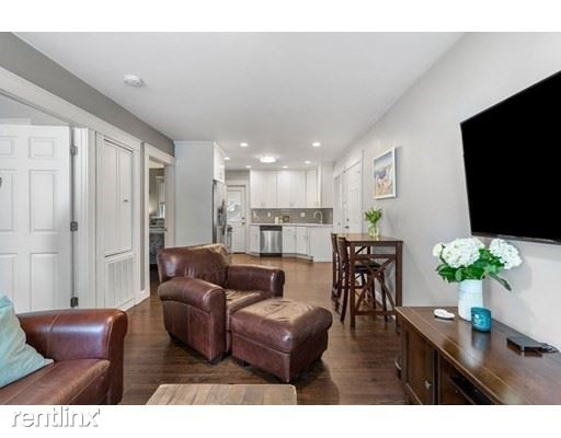 182 West 9th St 1, Boston, MA - 3,400 USD/ month