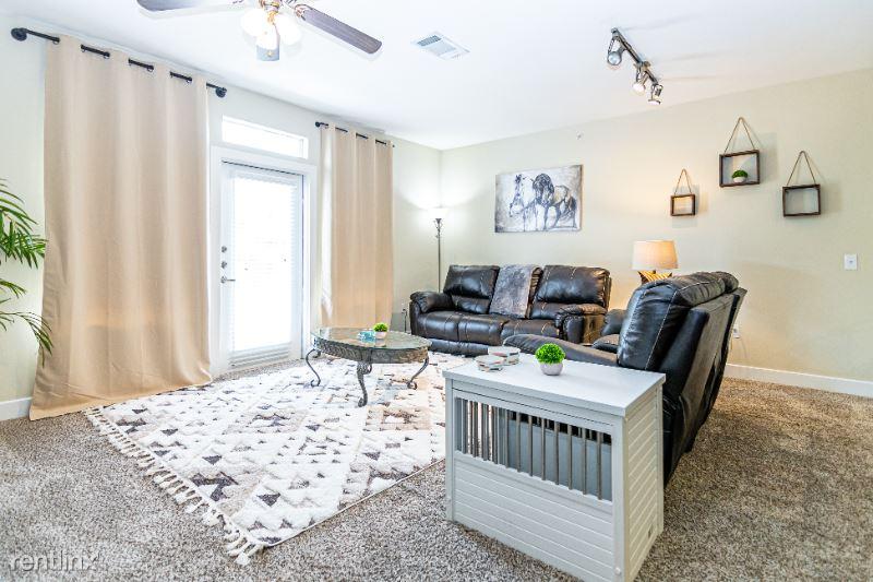 Valley View Ln, Dallas, TX - 3,000 USD/ month