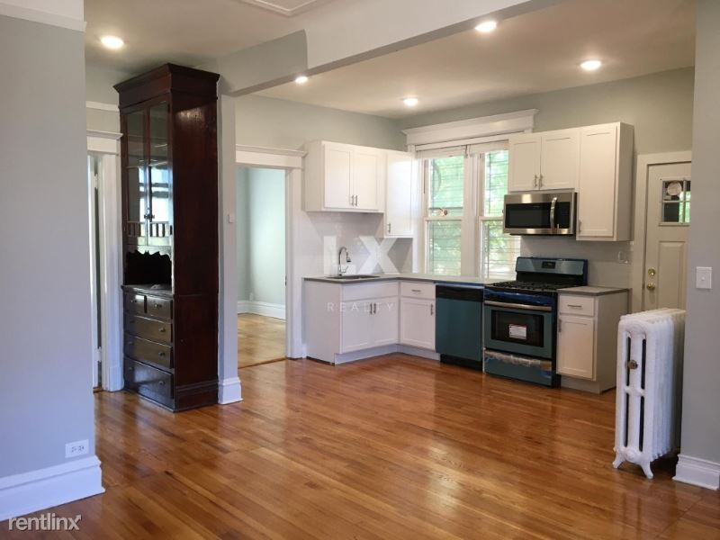 721 W Roscoe St, Chicago, IL - 1,995 USD/ month