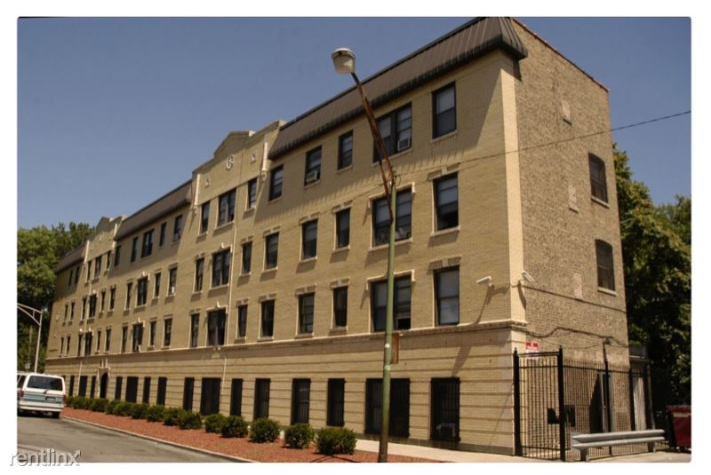 169 N Leclaire Ave 302, Chicago, IL - 950 USD/ month