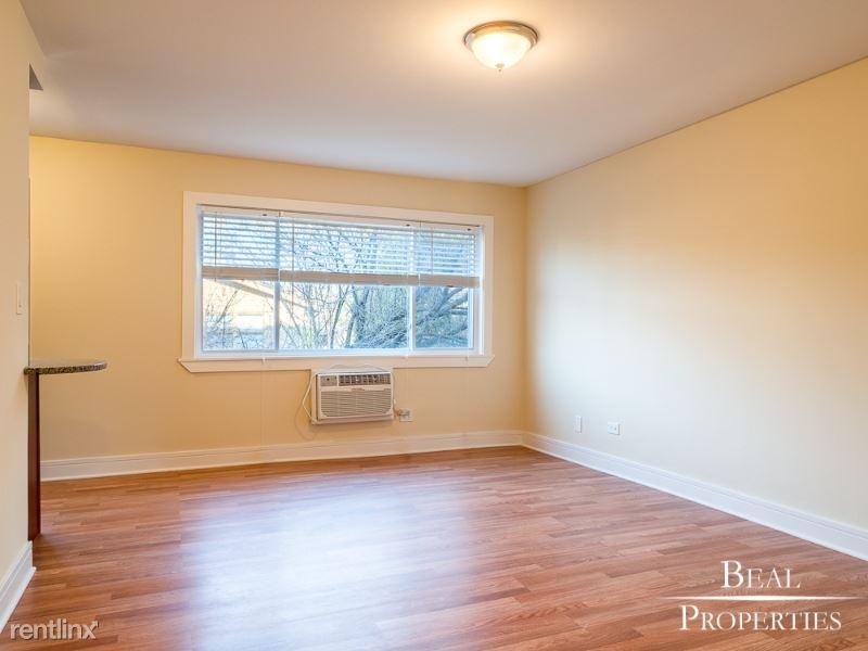 696 Elm Place, Highland Place, IL - 1,525 USD/ month