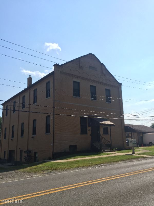 7621 Noblestown Rd 7, Mcdonald, PA - 650 USD/ month