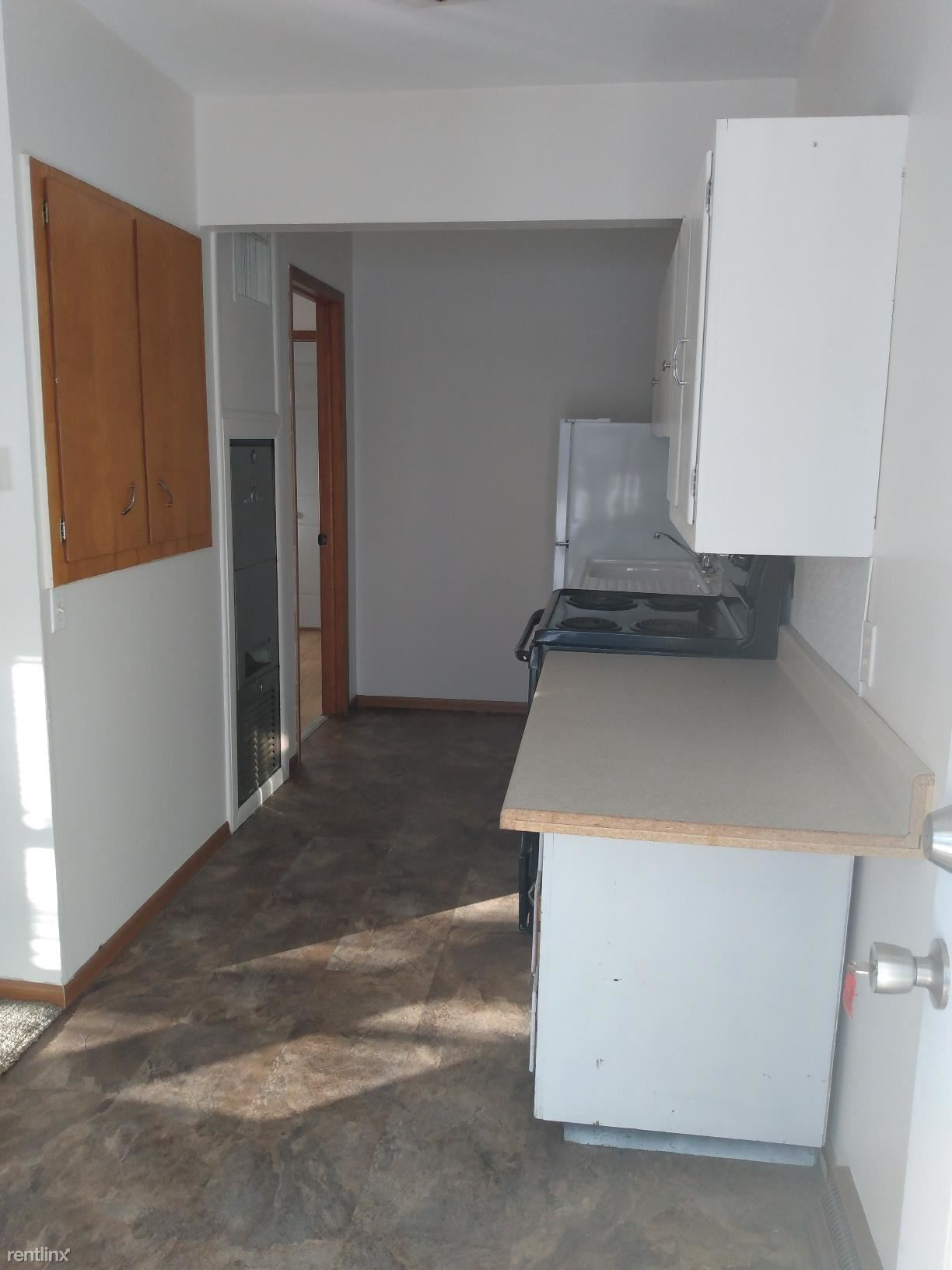 308 E Jefferson St, Sullivan, IL - 505 USD/ month