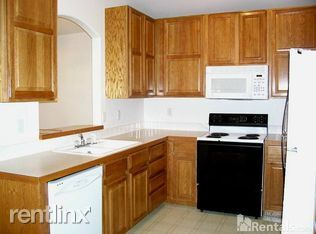 1121 Bellview Drive - 1925USD / month