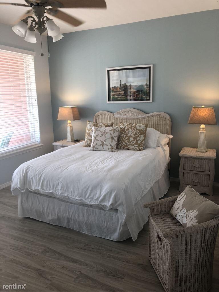 3 Harbor Town, Laguna Vista, TX - 4,000 USD/ month