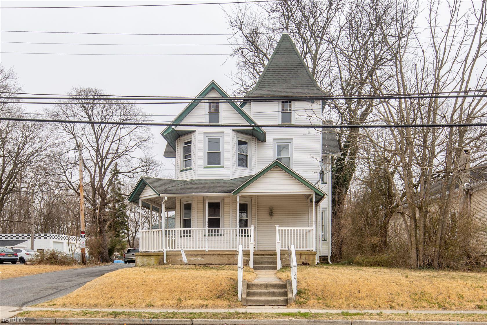 134 South Main Street, Glassboro, NJ - 2,250 USD/ month