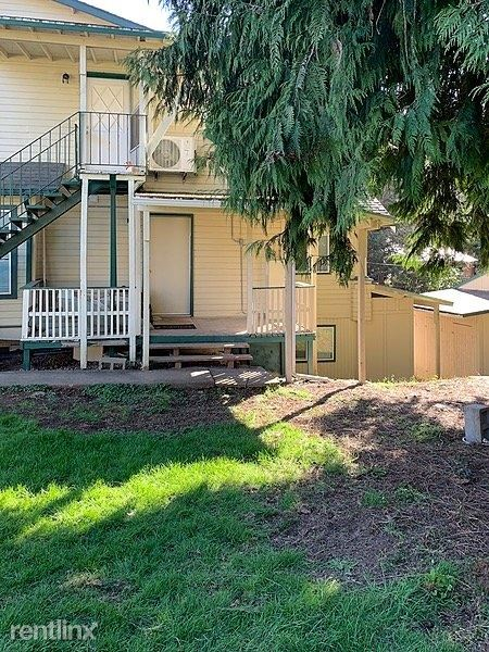18720 Southeast Langensand Road, Sandy, OR - 1,300 USD/ month