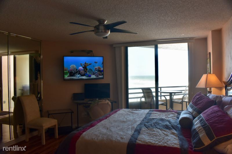 2917 S Atlantic Avenue, Daytona Beach, FL - 3,000 USD/ month