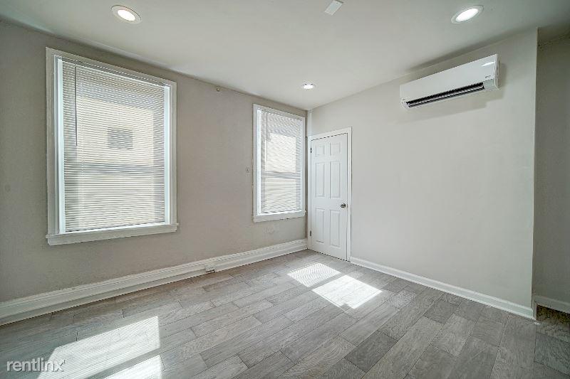 2432 N Bancroft St, Philadelphia, PA - 595 USD/ month