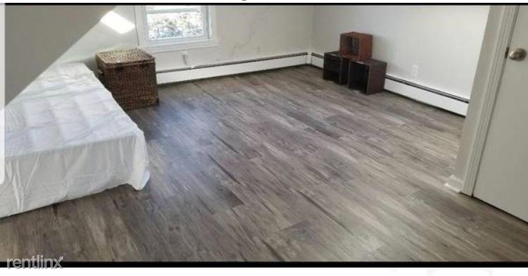Harbor St, Stamford, CT - 1,200 USD/ month