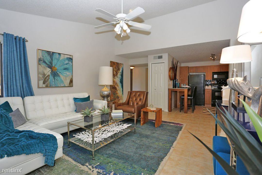 10511 Harborbluff Way, Town 'n' Country, FL - 1,945 USD/ month