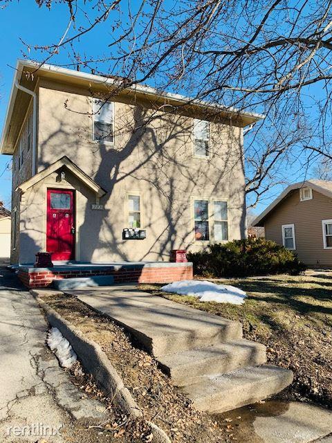 2727 N 65th St, Omaha, NE - 725 USD/ month