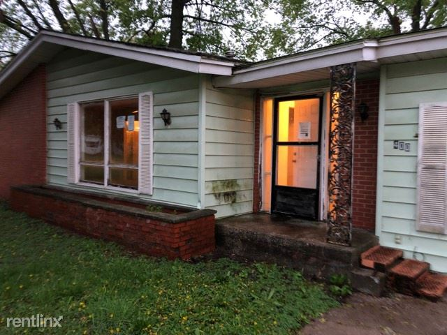 South Pine Street, Laddonia, MO - 634 USD/ month