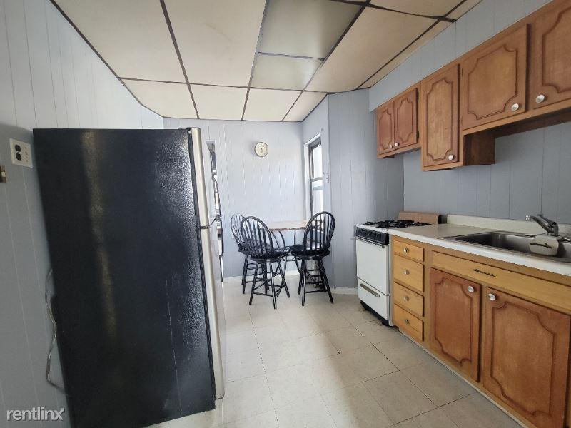 526 Lincoln St 5, Union City, NJ - 1,349 USD/ month