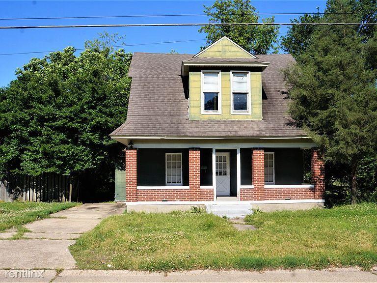 305 S Everett St, Kennett, MO - 633 USD/ month