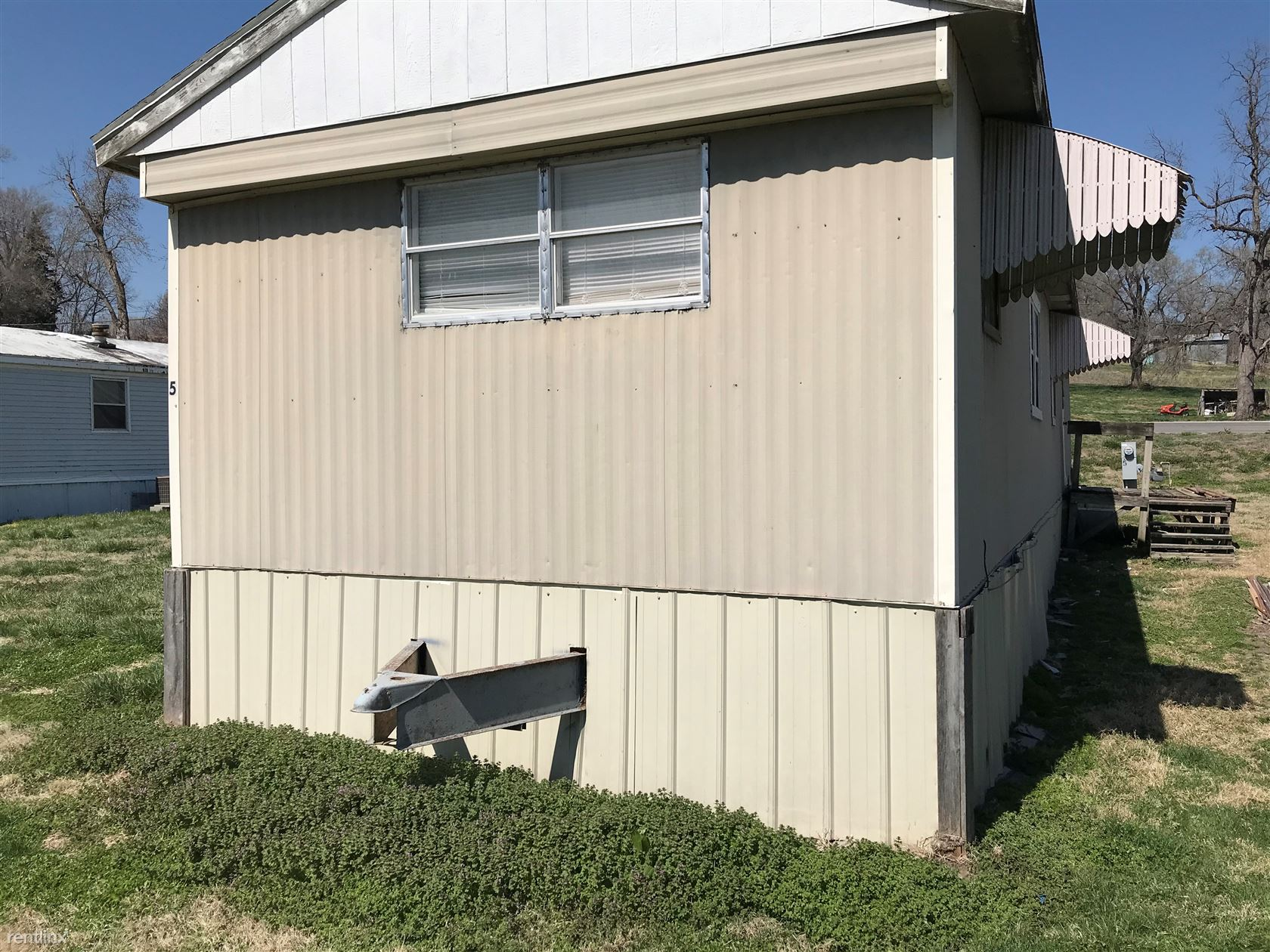 214 High St Trlr 5, Mound City, MO - 675 USD/ month