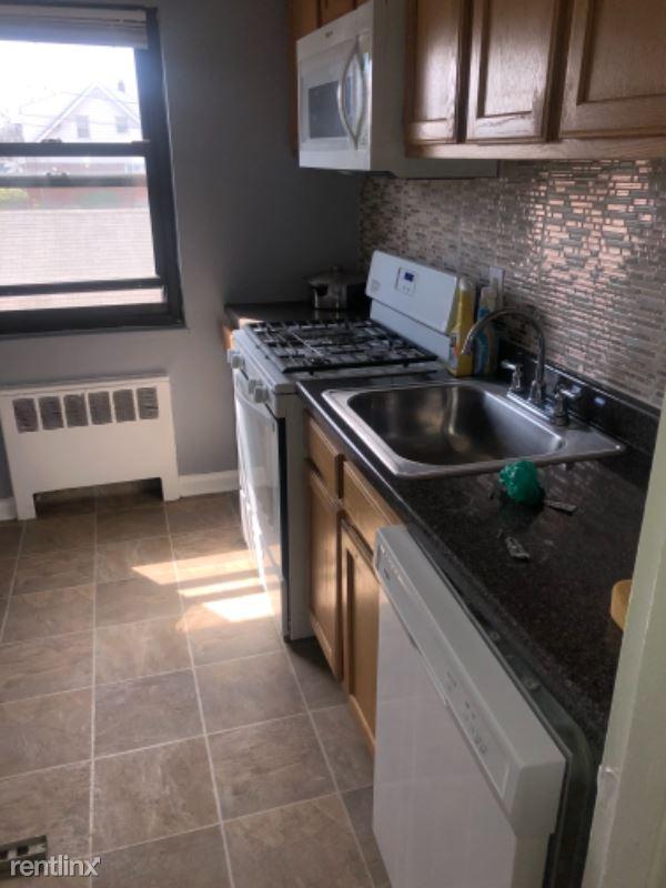 28 Clark St, Lodi NJ, Lodi, NJ - 1,725 USD/ month