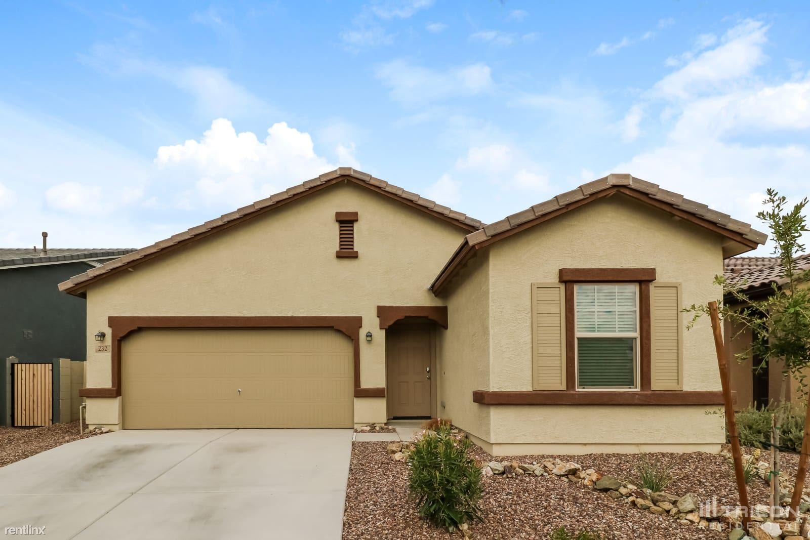 232 N 202nd Lane, Buckeye, AZ - 2,299 USD/ month