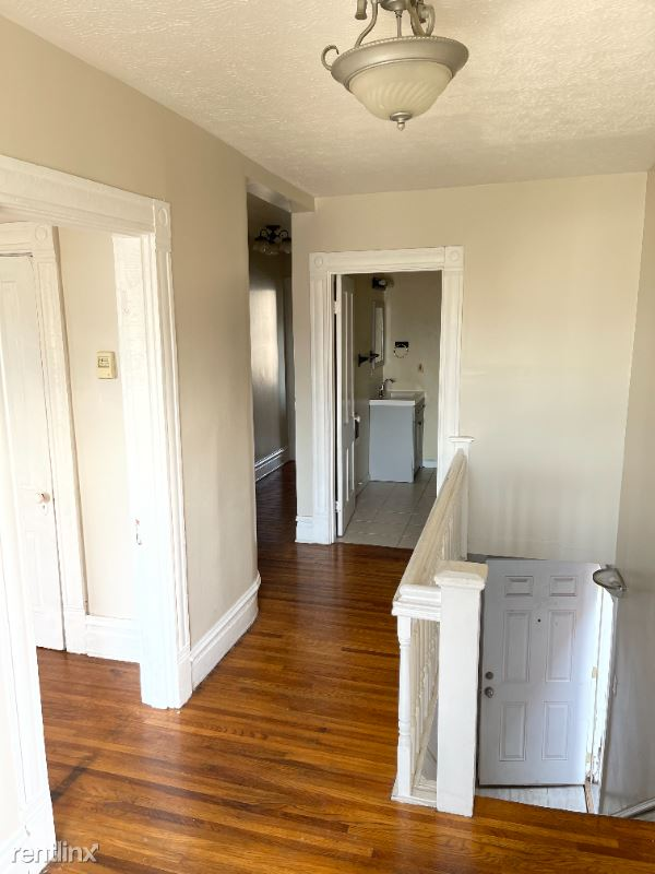1530 3rd Ave 2, Huntington, WV - 900 USD/ month