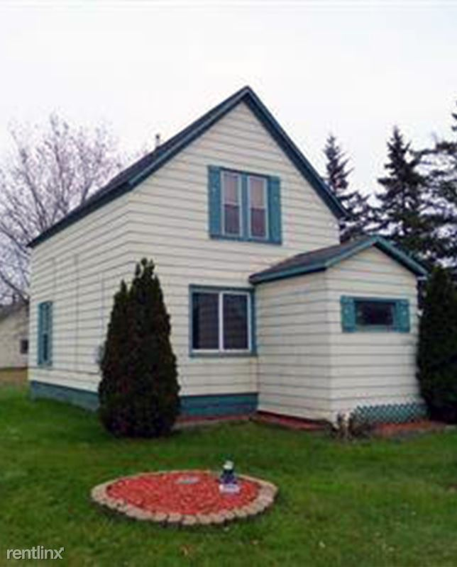 6308 Oakes Ave, Superior, WI - 899 USD/ month